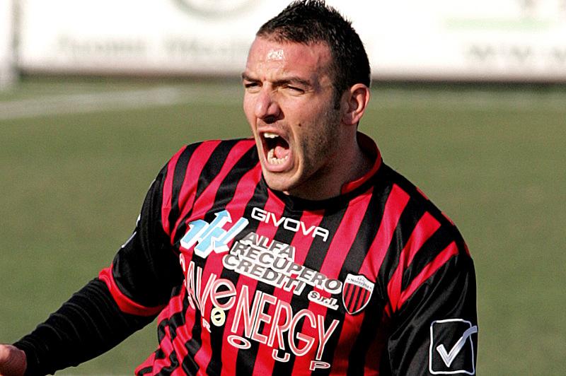 EVACUO, l'attaccante più forte di sempre della Serie C