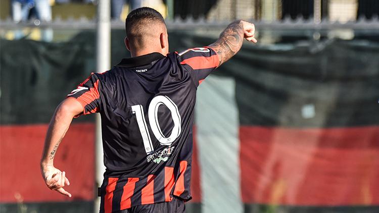 NOCERINA-GELBISON 1-0: un eurogol di Liurni regala tre punti d'oro ai rossoneri